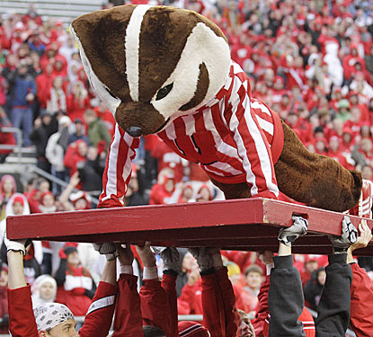 Bucky Badger gets a tremendous workout -- doing 573 pushups -- as Wisconsin scores its most points since 1915.  (AP)
