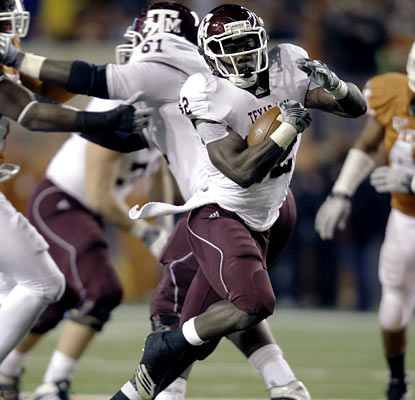 Cyrus Gray (223 yards, two touchdowns) becomes the first Texas A&M running back since '95 to reach 200 yards. (AP)