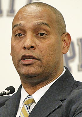 Pitt fires Haywood barely two weeks after hiring him away from Miami (Ohio) to replace Dave Wannstedt. (AP)