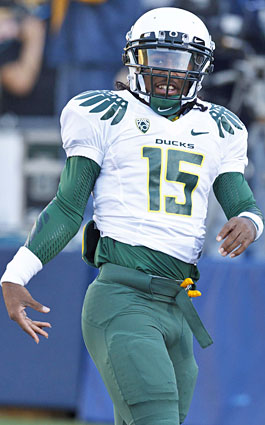 Less than a month after RB Lache Seastrunk signed with the Ducks, his mentor received $25,000 from Oregon. (US Presswire)