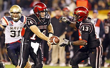 Ryan Lindley (14) and Ronnie Hillman are excellent reasons why you should stay up late on Saturday nights to watch the Aztecs. (US Presswire)
