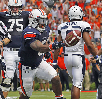 Michael Dyer celebrates after scoring Auburn's second TD in the final four minutes to put the Tigers in front.  (AP)