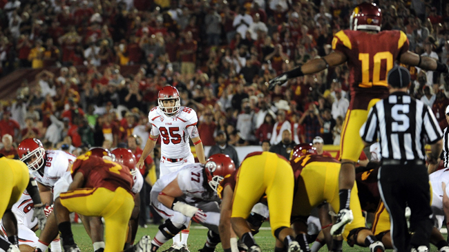 Utah lines up for a last-second field goal that would've tied the game. (Getty Images)