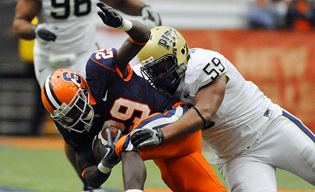 Syracuse and Pittsburgh are just the first dominoes to fall in college football's realignment. (Getty Images)