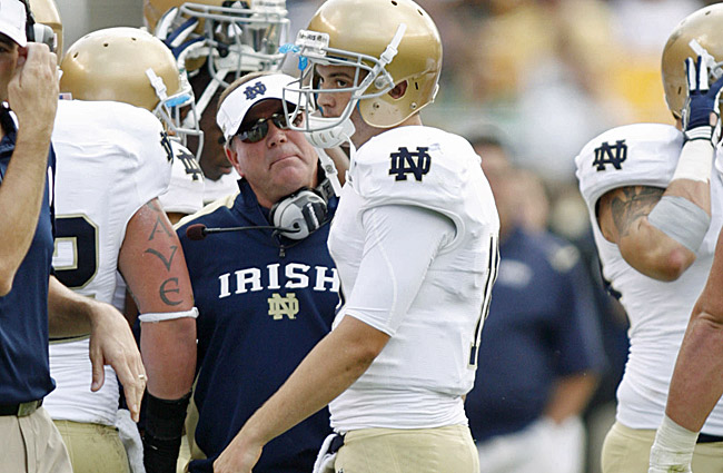 Notre Dame's Brian Kelly gives Tommy Rees an earful on the sidelines during a 15-12 win vs. Pitt. (US Presswire)