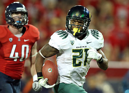 LaMichael James scorches Arizona for 288 yards on the ground, breaking Ontario Smith's school record set in 2001.  (Getty Images)