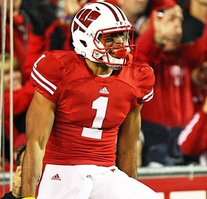 Wisconsin's Nick Toon snares four passes for 94 yards and a touchdown against Nebraska. (US Presswire)