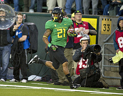 Oregon's LaMichael James scores on a 53-yard run against California. He later hurts his arm and leaves the game. (US Presswire)