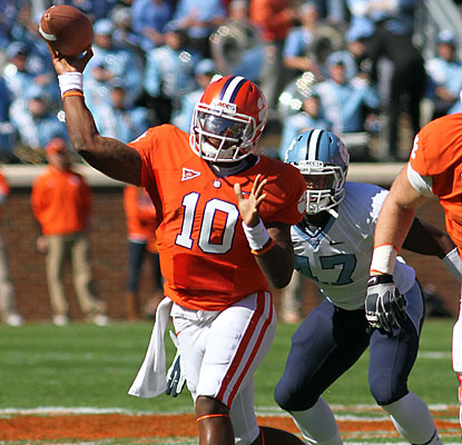 Tajh Boyd matches Cullen Harper's school record with five touchdown passes against the Tar Heels.  (US Presswire)