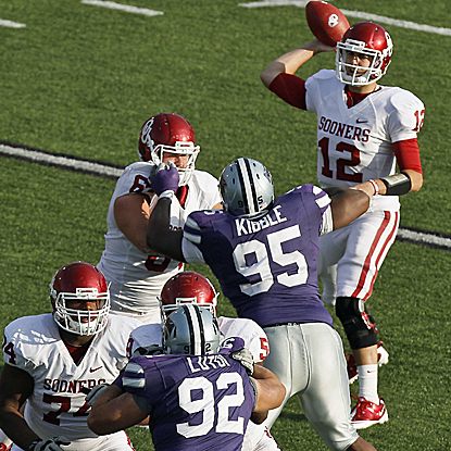 Landry Jones lights K-State up for a video game-like 505 yards, a school-record. (Getty Images)