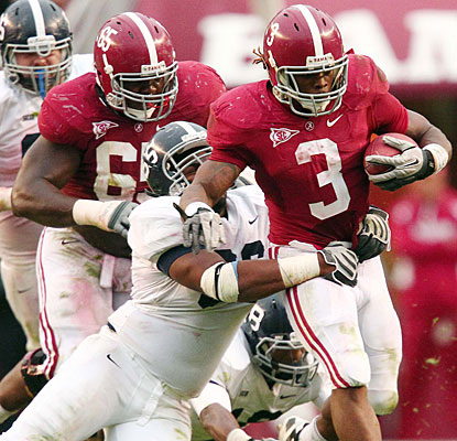 Trent Richardson rushes for 175 yards and becomes the first Alabama back to rush for 20 touchdowns. (US Presswire)
