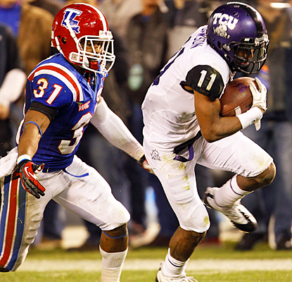 TCU's Skye Dawson beats La. Tech's Chad Boyd for the winning 42-yard touchdown reception. (AP)
