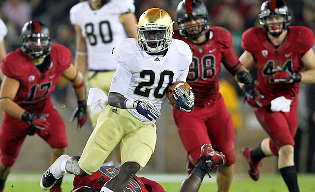 Cierre Wood guides Notre Dame against Florida State in the final Champs Sports Bowl. (Getty Images)