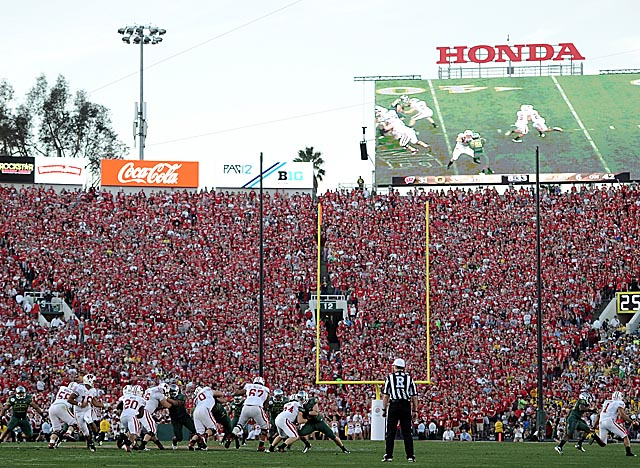 The Rose Bowl is the only BCS bowl that has seen attendance remain steady since 2005. (Getty Images)