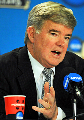 Emmert wants to simplify transfer rules for players. (US Presswire)