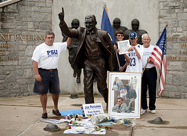 Penn State fans gather Saturday at the embattled statue outside Beaver Stadium. (Getty Images)