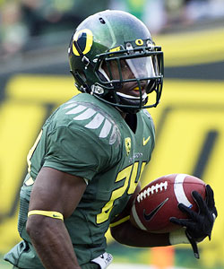 Kenjon Barner looks to help Oregon reach another BCS bowl. (US Presswire)