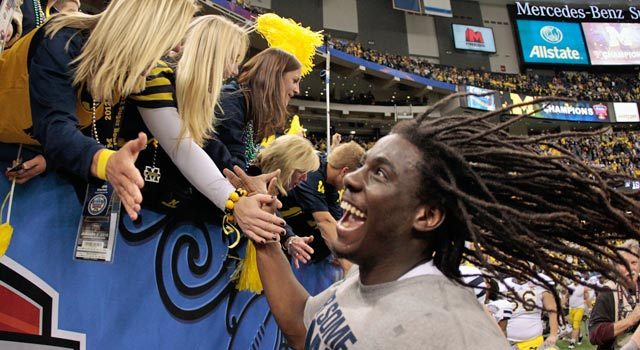 Denard Robinson won the Sugar Bowl, but beating Alabama is a different beast altogether. (Getty Images)