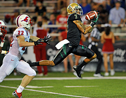 Baylor receiver Darryl Stonum catches a 37-yard touchdown pass in the Bears' 59-24 win over SMU. (US Presswire)