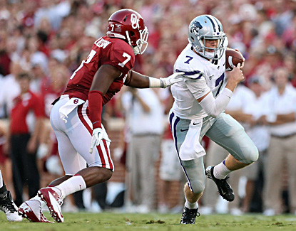 Collin Klein runs for some of his 79 yards on the ground against the sixth-ranked Sooners. (US Presswire)
