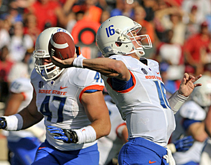 Joe Southwick passes for 311 yards and three touchdowns in Boise State's win over New Mexico. (AP)