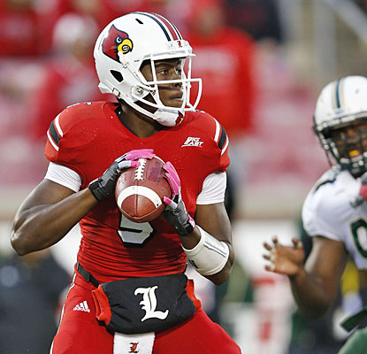 Sophomore QB Teddy Bridgewater completes 21 of 25 for 256 yards and leads Louisville with 74 yards rushing.  (Getty Images)