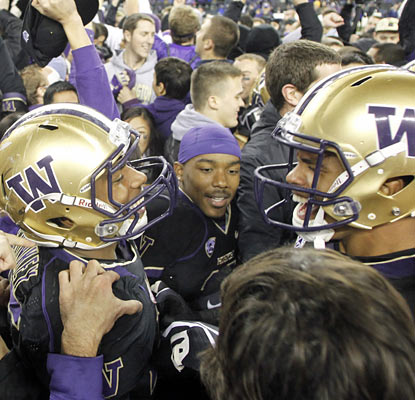 Washington rejoices after knocking off No. 7 Oregon State, which fails to keep its season perfect. (US Presswire)