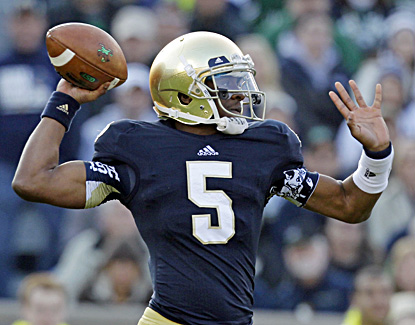 Everett Golson throws three touchdown passes in Notre Dame's 38-0 win over Wake Forest. (AP)