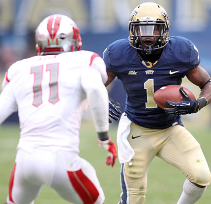Panthers senior Ray Graham rushes for 113 yards and a touchdown in his final home game for Pitt.  (US Presswire)
