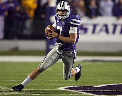Kansas State quarterback Collin Klein rushes for two TDs as the Wildcats clinch the Big 12 title. (US Presswire)