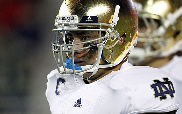 Notre Dame linebacker Manti Te'o wins the Maxwell award. Is the Heisman next? (US Presswire)