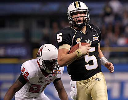 Quarterback Blake Bortles leads UCF to a win in the Beef 'O' Brady's Bowl with three TD passes. (US Presswire)