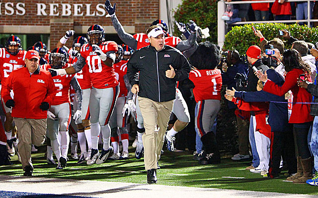 Ole Miss' win over rival Mississippi St. helped Hugh Freeze's staff secure prized recruit Robert Nkemdiche. (USATSI)