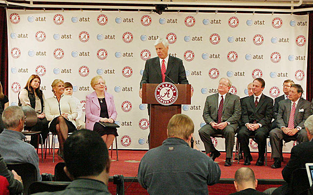 Bill   Battle has had a successful career in the business world, and returns to Alabama to lead its atheltic   department. (USATSI)