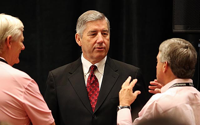 Big 12 commissioner Bob Bowlsby adds his to the big names pushing the idea of a Division 4. (USATSI)