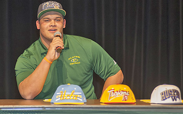 Eddie Vanderdoes signed with Notre Dame but wants to play at UCLA. (USATSI)