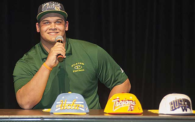 Eddie Vanderdoes originally picks Notre Dame, but that UCLA hat kept calling him home. (USATSI)