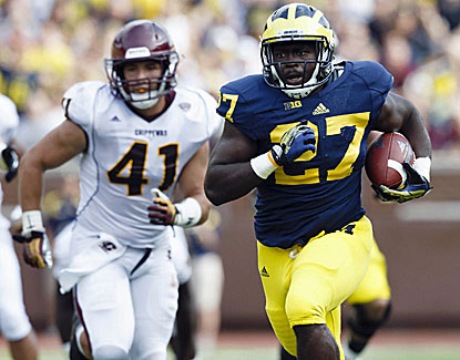 Michigan's Derrick Green rushes for 58 yards and a score on 11 carries in the Wolverines' blowout win over Central Michigan. (USATSI)