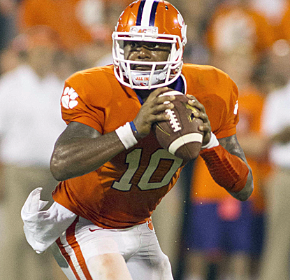 Tajh Boyd accounts for all five of Clemson's TDs, three through the air and two rushing.  (USATSI)