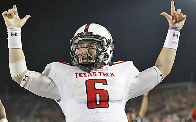 Baker Mayfield reminds coach Kliff Kingsbury of Case Keenum. (USATSI)