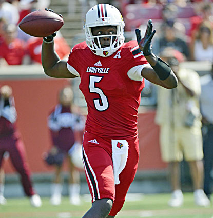 Louisville quarterback Teddy Bridgewater throws for 397 yards and four touchdowns in a 44-7 win over Eastern Kentucky. (USATSI)