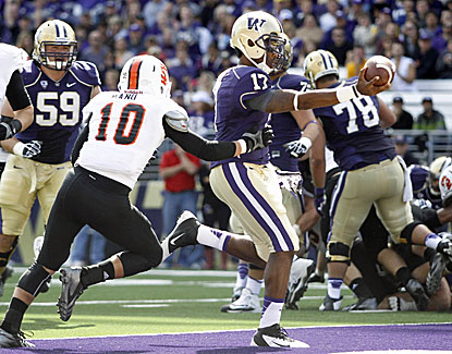 Washington's Keith Price plays less than a half but still accounts for 213 passing yards and 3 TDs in a win over Idaho State. (USATSI)