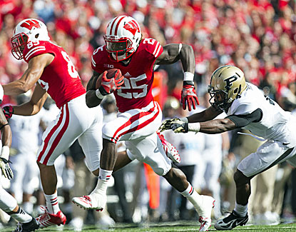 Melvin Gordon runs for three scores as Wisconsin blows out Purdue in its Big Ten opener. (USATSI)