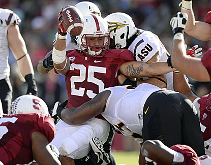 Tyler Gaffney gets into the end zone for one of his two TDs as Stanford wins its Pac-12 showdown with ASU. (USATSI)