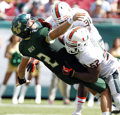 While the Miami offense clicks in its first road game, the Canes' D steps up with some big plays vs. South Florida.  (USATSI)