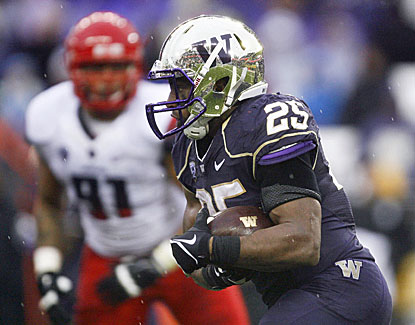 Bishop Sankey sets a Washington record with 40 carries, accounting for 161 yards and a touchdown in a win over Arizona. (USATSI)