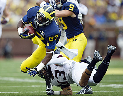 Michigan's Devin Funchess makes seven catches for 151 yards and a touchdown in the Wolverines' win over Minnesota. (USATSI)