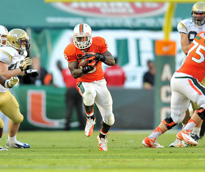 The dynamic Duke Johnson gashes the Georgia Tech defense to the tune of 184 rushing yards and 325 all-purpose yards. (USATSI)