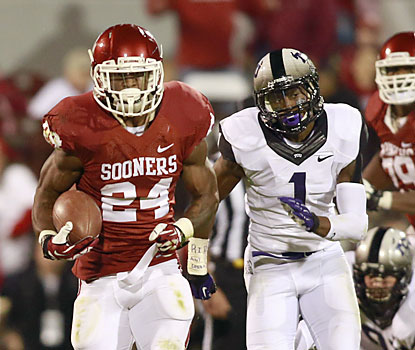 Brennan Clay breaks off a 76-yard touchdown run in the fourth to help the No. 11 Sooners put down the Horned Frogs. (USATSI)