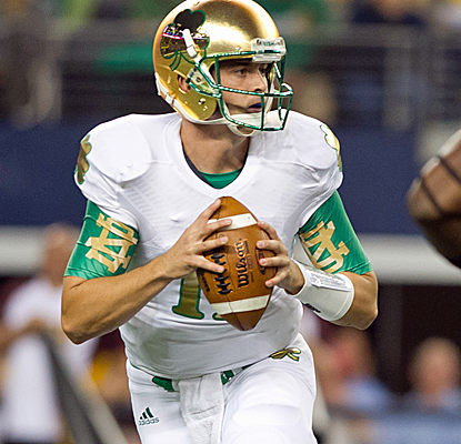 Tommy Rees throws for three touchdowns as Notre Dame plays tough down the stretch to beat ASU.  (USATSI)